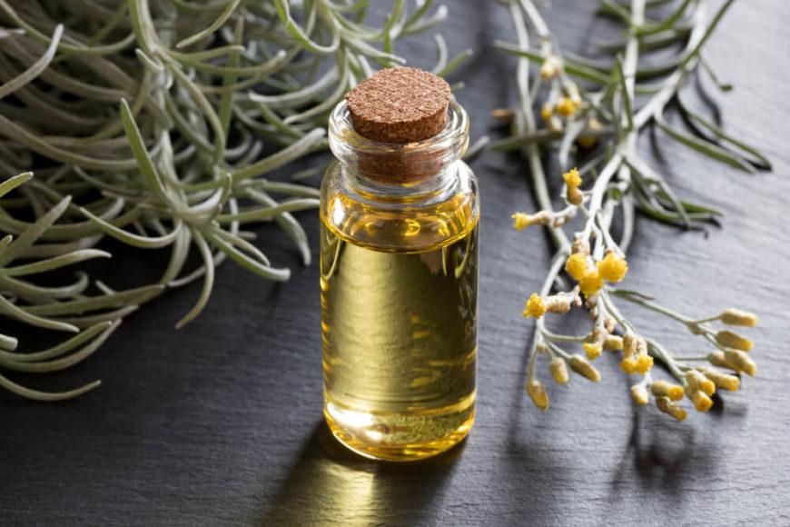 ... das ätherische Öl als Heilmittel. Es soll bakterien- und entzündungshemmend wirken.